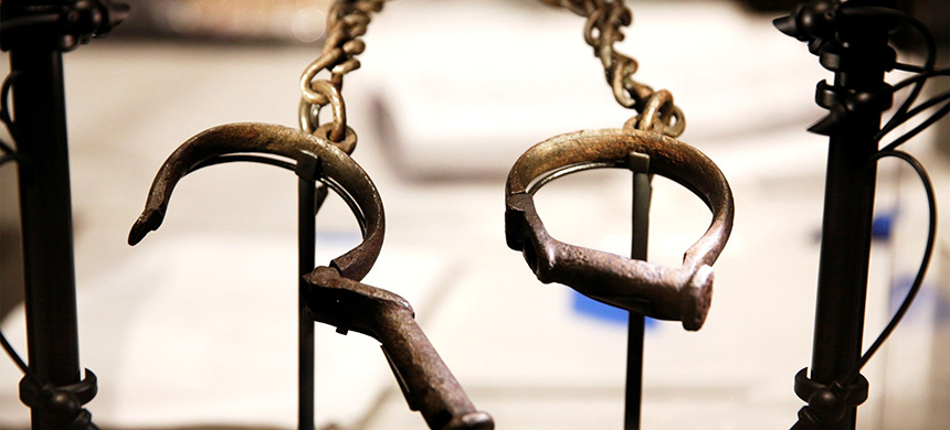 Slave shackles on display at the National Museum of African American History and Culture in Washington, D.C., in 2016. (photo: Kevin Lamarque/Reuters)