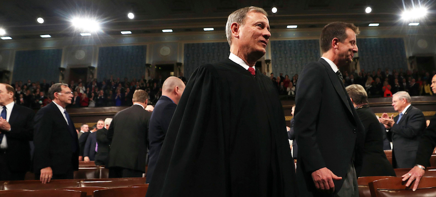Supreme Court Chief Justice John Roberts. (photo: Jim Lo Scalzo/AP/Shutterstock)