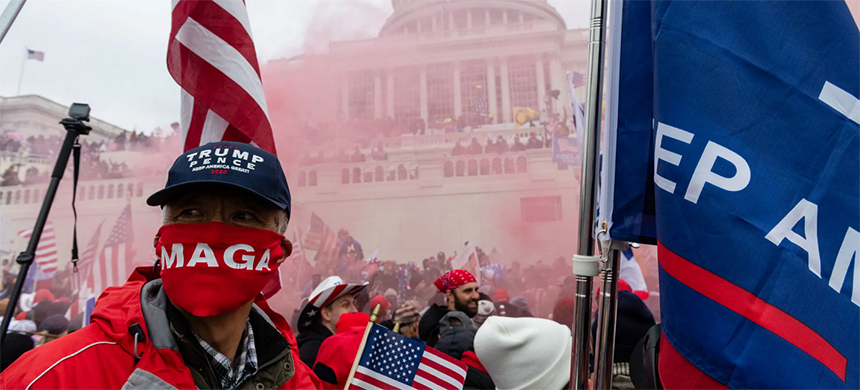 If the day's events began as a 'march,' they ended as something altogether different - anarchy that challenges the terminology of history. (photo: Eric Lee/Bloomberg/Getty Images)